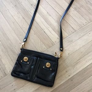 Cute Marc Jacobs cross body bag in black